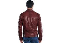 Jacke im Bikerstyle mit gebrauchter Warenoberfläche